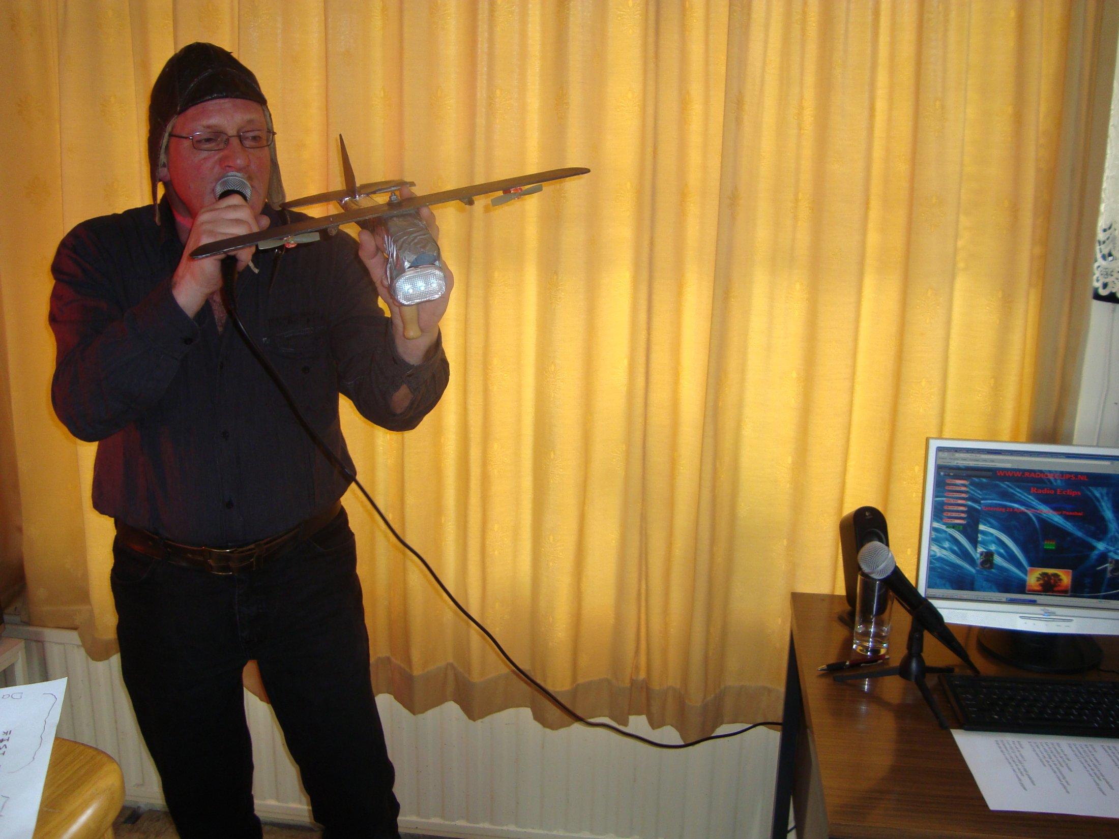 Hier-koos-ik-het-luchtruim-met-het-liedje-vleegmachine