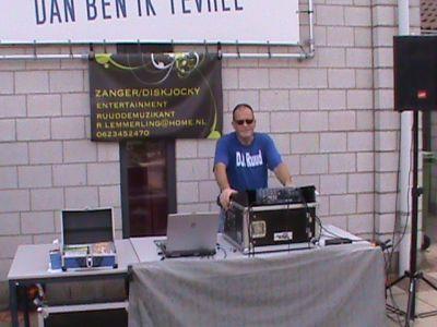 Ik-draai-ook-uiteraart-ook-voor-gehandicapten-die-houden-van-muziek-en-zijn-ook-dankbaar